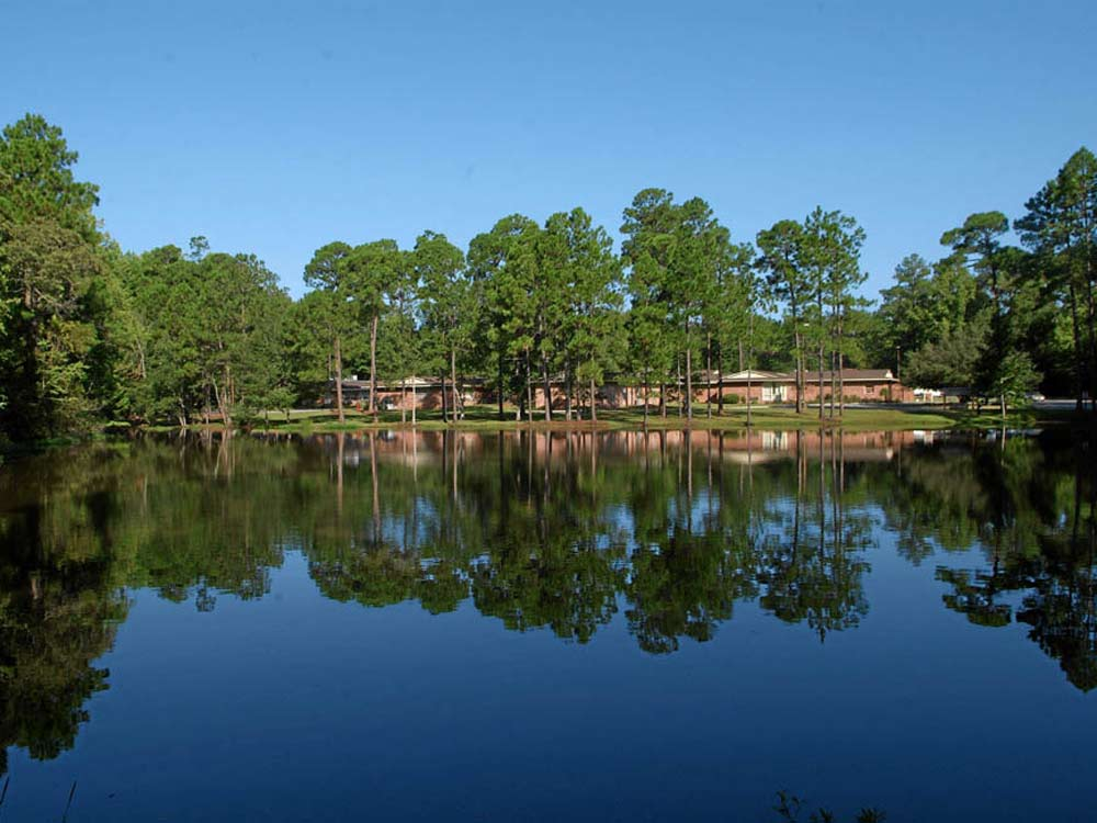 Main Facility from pond - willingway - addiction treatment experts - statesboro georgia drug and alcohol addiction treatment facility