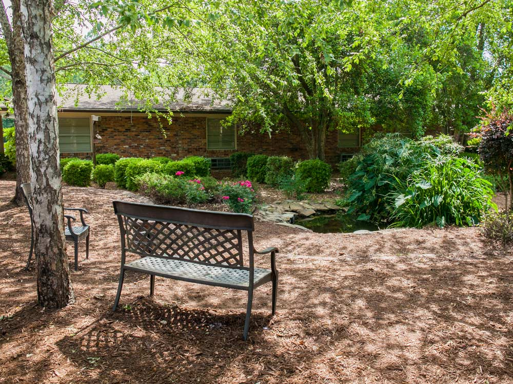 Outdoor sitting area and bench - Willingway Addiction Treatment Experts - Georgia drug and alcohol rehab center